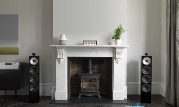 702 S2 Black Gloss with RA-1572 Fireplace Grilles Off